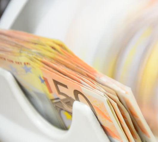 Conteggio di banconote da 50€